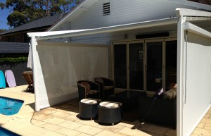 Poolside Entertaining - Corradi Iridium retractable roofing system - St Ives - Flynn (9)